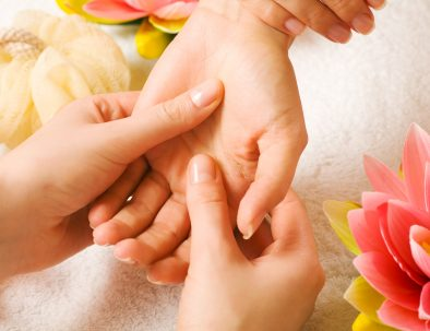sujok therapy applied in hands
